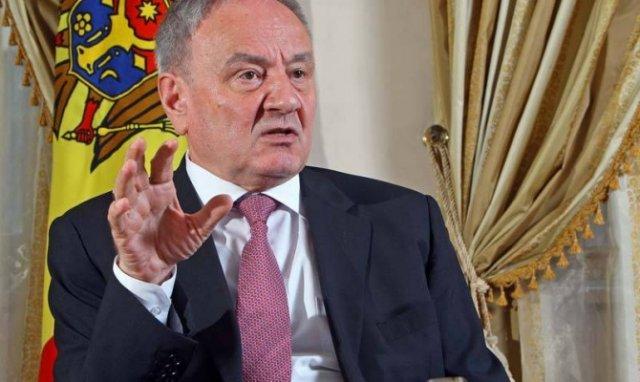 Президент Молдовы принял секретаря ВМС США Рэя Мабуса