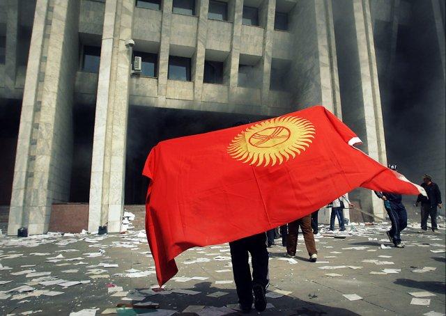 В Киргизии объявили бессрочный пикет против ВОЗМОЖНОГО повышения цен на газ
