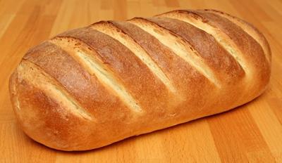 Голодный киевлянин напал на хлебный киоск, чтобы получить один батон