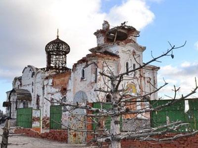 Граждане молодой республики восстанавливают монастырь своими силами