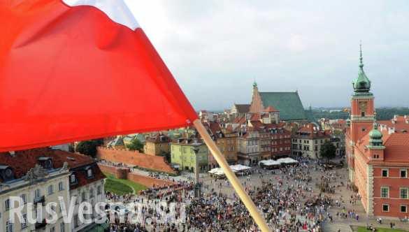 Десятки тысяч жителей Польши протестуют из-за нового правительства