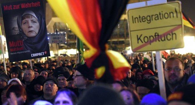 Немцы учат русских демократии