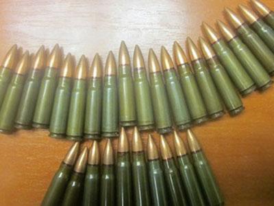Украинские террористы продолжают свозить боеприпасы в столицу майдана