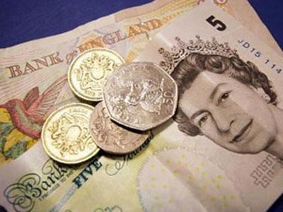 Депутату Верховной рады, отвечающему за евроинтеграцию, отказали в британской визе: маловато зарабатывает!