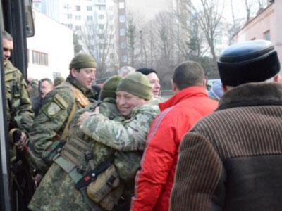 На Западную Украину вернулись украинские террористы с отжатыми деньгами и украденной собственностью мирного населения Донбасса