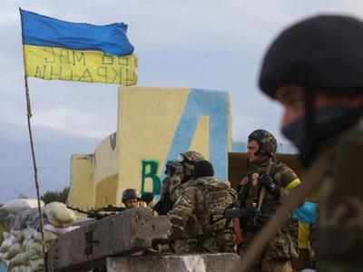 Сюрпризы для наблюдатлей ОБСЕ: противотанковые мины на украинском блокпосту под Марьинкой, да и самих блокпостов - два