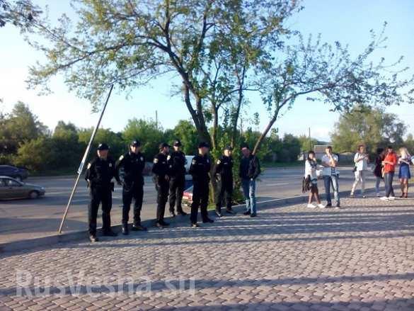 На Украине неонацисты сорвали концерт певицы Лободы (ФОТО, ВИДЕО)   Русская весна