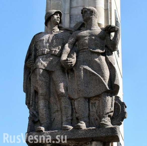 В Польше демонтируют памятник благодарности Красной армии