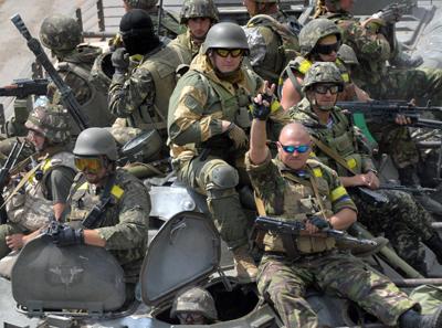 К границе с Крымом подтягиваются иностранные боевики, которые грозят «крошить» русских