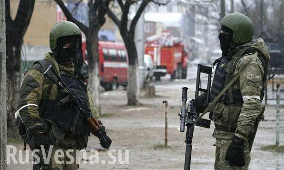 В Дербенте боевики ранили двоих полицейских, начальник уголовного розыска оказался в заложниках, — источник