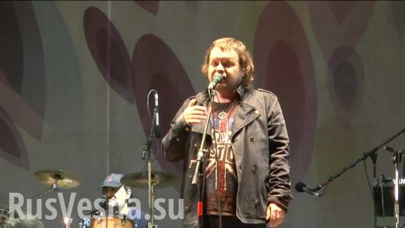 «Бог покинул Украину», — «Бахыт-Компот» спел в Донецке (ВИДЕО)