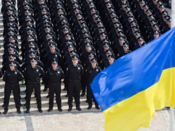Украинским полицейским законодательно запретят обсуждать приказы руководства