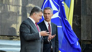 Порошенко заявил о начале перестройки сектора обороны и безопасности Украины для вступления в НАТО