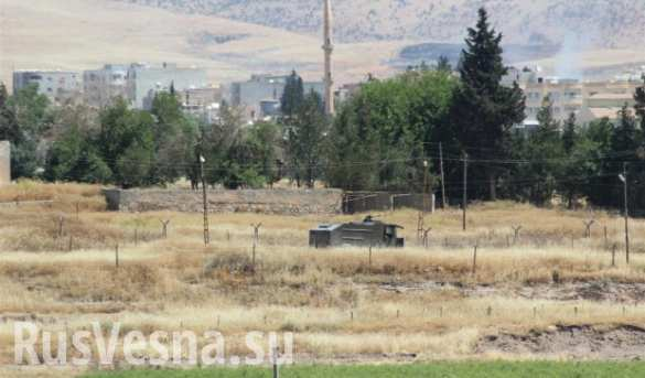 СРОЧНО: опубликованы кадры вторжения в Сирию турецкой бронетехники ( ВИДЕО)