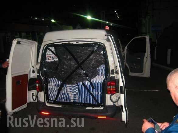Закарпатец пытался вывезти в Венгрию 57 тысяч пачек сигарет (ФОТО)   Русская весна