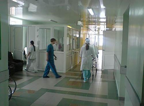 На Галичине из-за нехватки средств медиков отправят в бесплатные отпуска