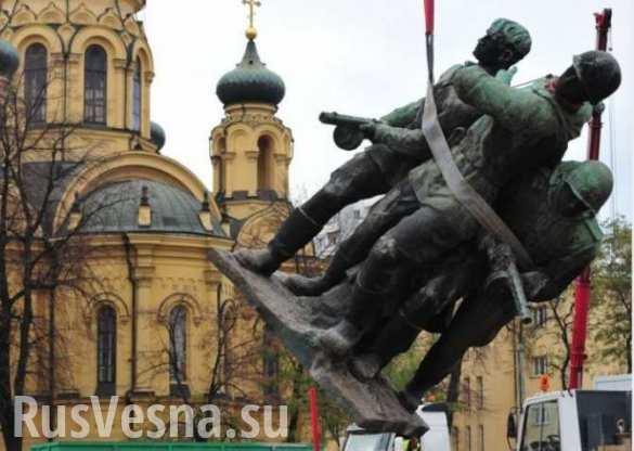 В Польше советские памятники хотят убрать с улиц в «образовательные парки»